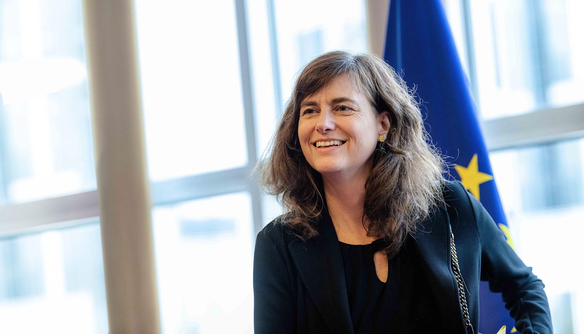 Bild von Alexandra Geese mit Europaflagge